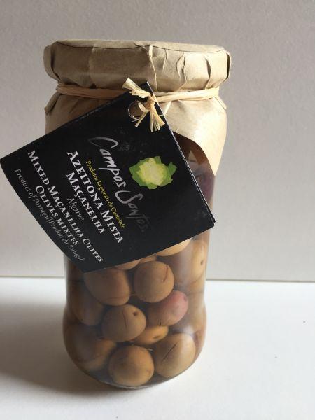 Gemischte Oliven im Glas